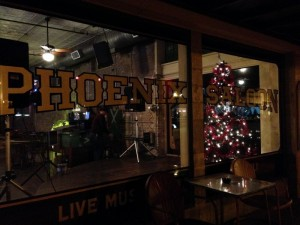 Phoenix Saloon: first bar in TX to serve women. And pretty good vegan chili to boot!